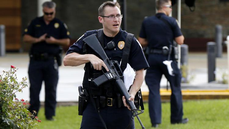 ct-photos-baton-rouge-police-shooting-20160717