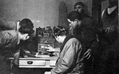 french-resistance-radio-xlarge