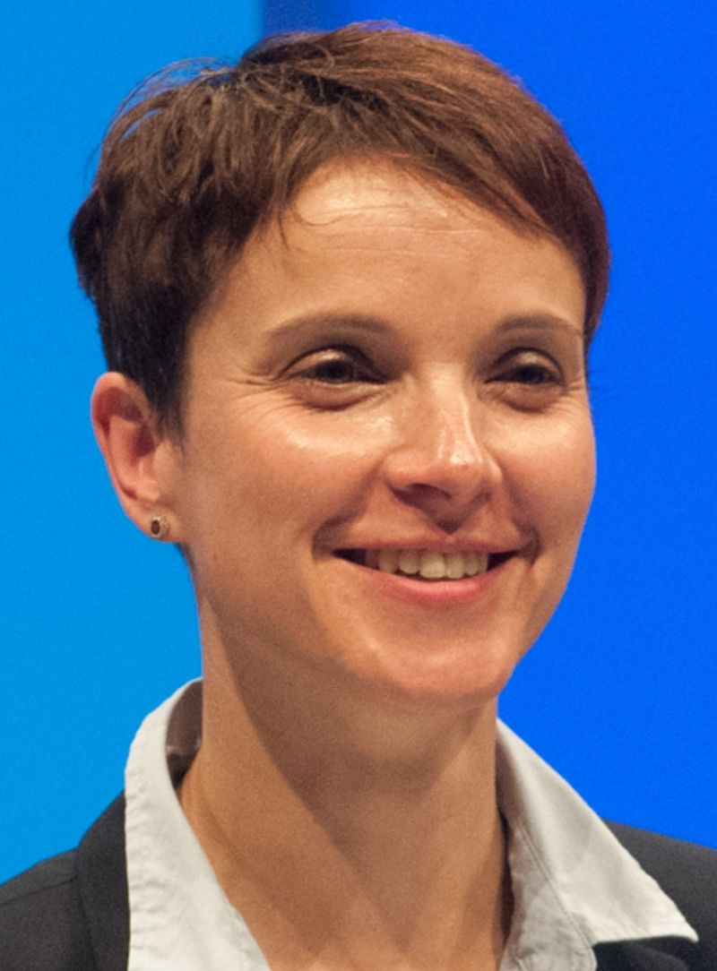 frauke_petry_2015_cropped